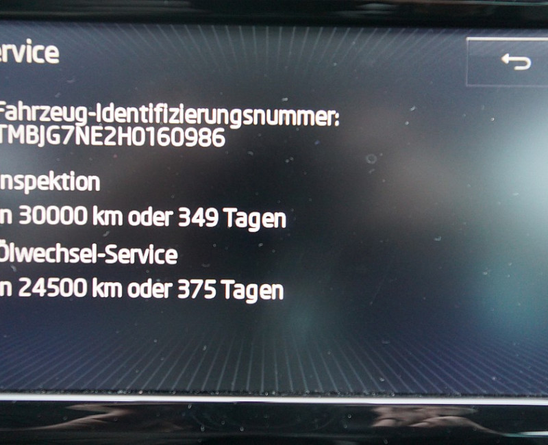 155002_1406437326095_slide bei KFZSITZ in